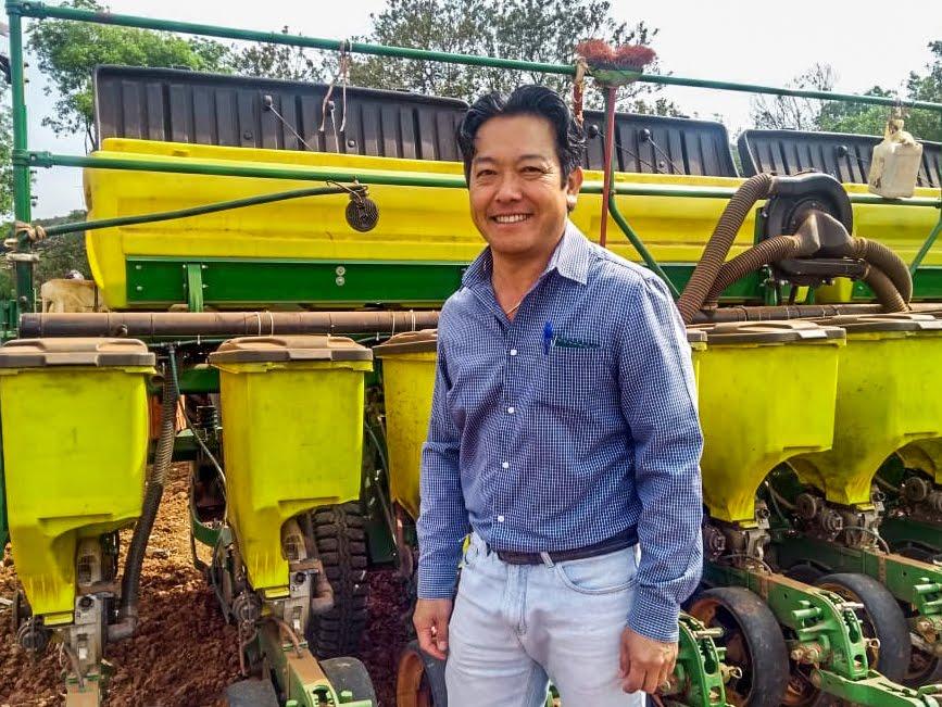 O produtor de soja de Capão Bonito, Edson Sukessada